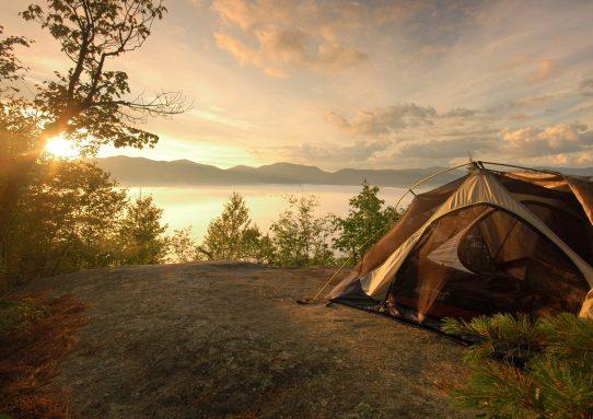 Um acampamento no Lago Crater